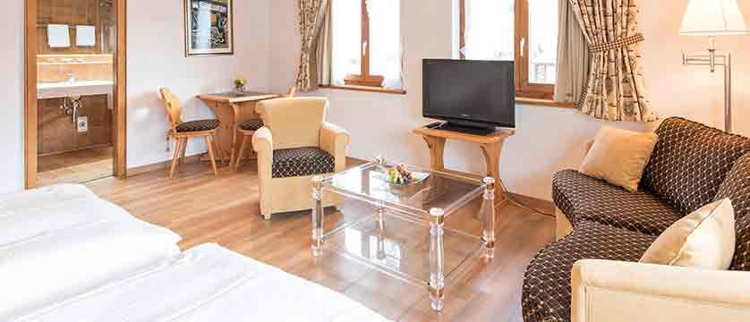 switzerland_klosters_hotel-steinbock_bedroom.jpg